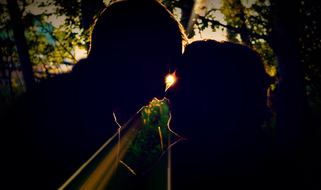 silhouette couple's photo
