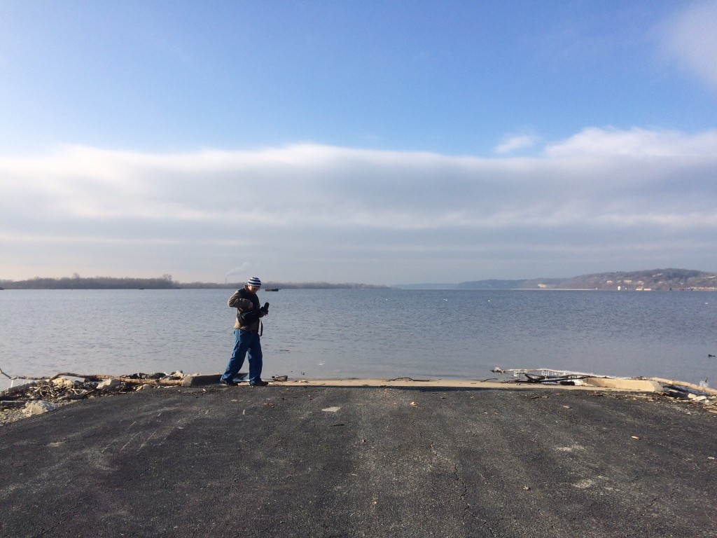 Photographer on the banks of the Mississippi River